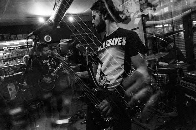 "Othismos: Italian nihilistic crust outfit to release ""Separazione"" in December"