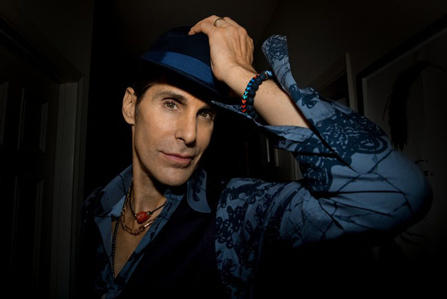 Jane's Addiction frontman Perry Farrell Signs With BMG For New Solo Album, 'Kind Heaven'