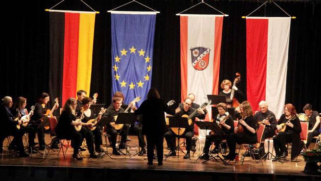 QUELLE Offenbach Post  https://www.op-online.de/region/rodgau/offenbach-hessen-vielfalt-gemeinsame-werte-12271597.html