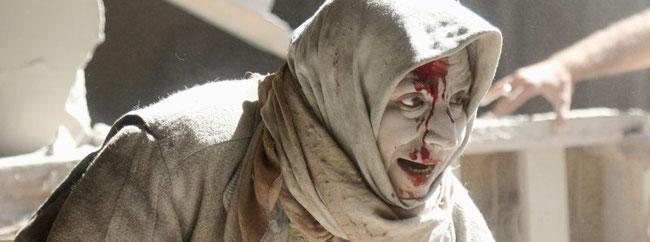 während hier die AfD den Islam diskriminiert, leben in Aleppo noch Menschen - unter den Bomben des sälularen Assad mit Hilfe von Putin.