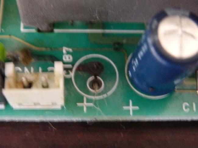電解コンデンサー液漏れ