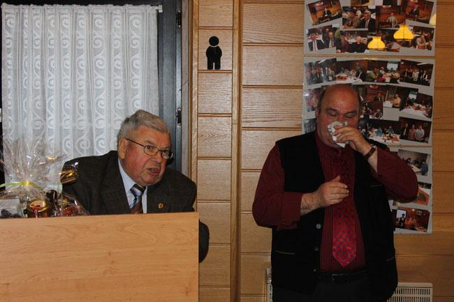 Erich Reitz und Vorsitzender Gerd Kurz bei der Verabschiedung von Erich Reitz als Preisrichter