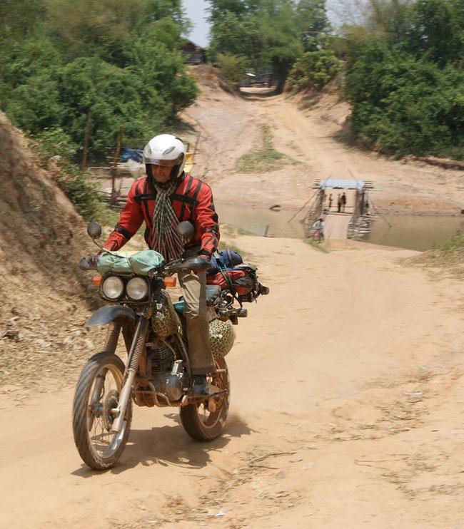 Chaîne de l'Eléphant, 2011, à la frontière Thaïlande-Cambodge. Sur les traces de Vannarin, l'un des héros de mon livre, victime innocente du régime de terreur criminelle khmer rouge