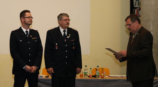 (l) Christian Mundhenk, (m) Reinhold Tiede und (r) Bürgermeister Harald Jäschke Foto: BK