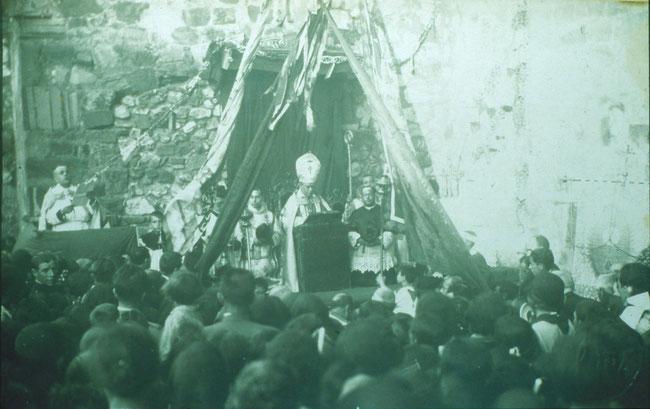 Inauguración del Sagrado Corazón de Jesús por el obispo don Narciso Estenaga, el 29 de junio de 1930.