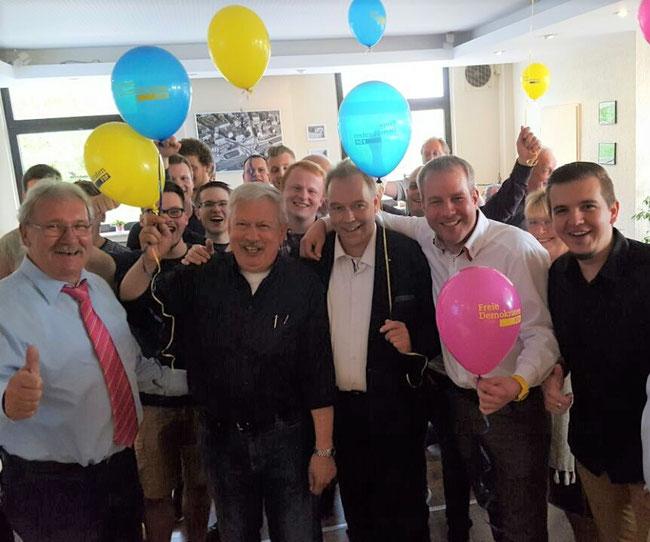 v.l.n.r.: Fraktionsvorsitzender Hans-Peter Schöneweiß, Landtagswahlkandidaten Eduard Schreyer (WK 66), Klaus Gräber (WK 65), Martin Weber (WK 67) und Bundestagswahlkandidat Tim Wortmann (WK 120).