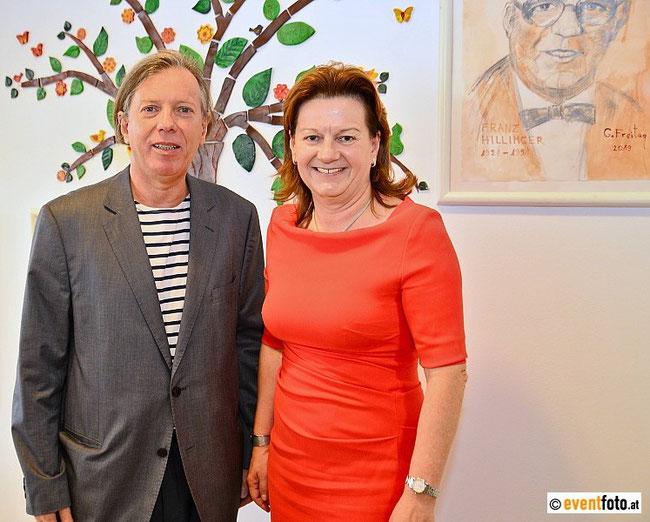 Gazmend Freitag und Vizebürgermeisterin Karin Hörzing, 25.10.2019, Seniorenzentrum Franz Hillinger