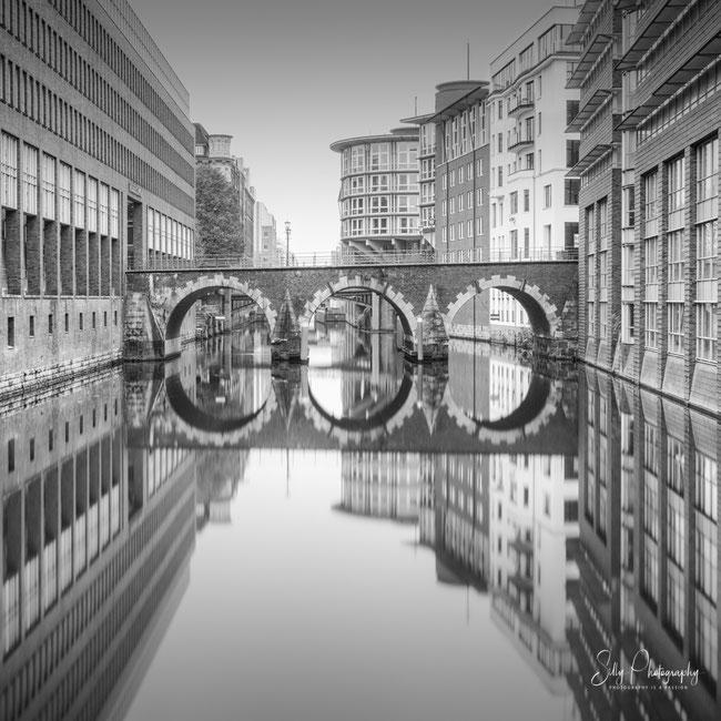 Hamburg /Ellerntorsbrücke, Herrengrabenfleet, Hamburger Neustadt, Langzeitbelichtung, 2020, ©Silly Photography