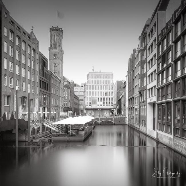 Hamburg / Alte Post, Bleichenfleet, Poststraße, Neuer Wall,  Langzeitbelichtung, 2021, ©Silly Photography