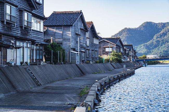 兵庫県竹野漁港の町並み