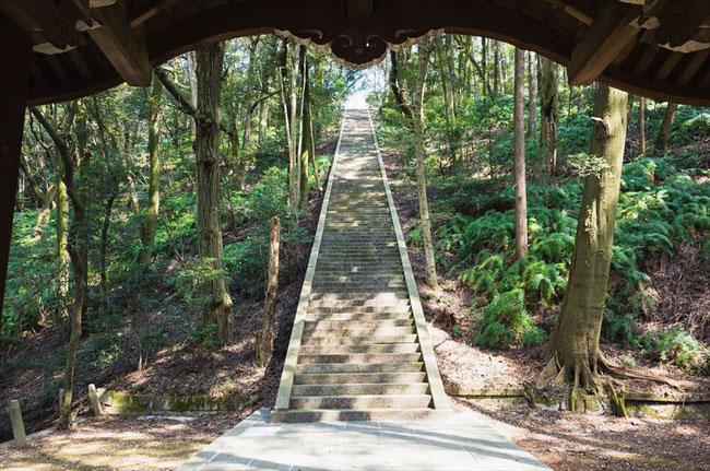 (秀吉のお墓)「豊国廟」登り階段