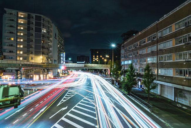 堀川塩小路の歩道橋からのレーザービーム写真