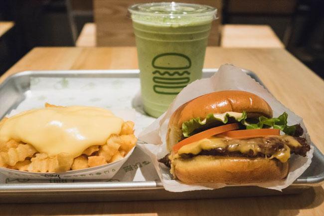 Shake Shack(シェイクシャック)京都四条烏丸店 ハンバーガー&ポテト&宇治抹茶シェイク