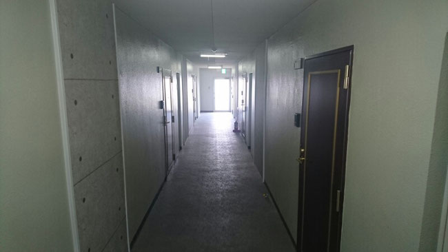 4階の廊下(施工後)