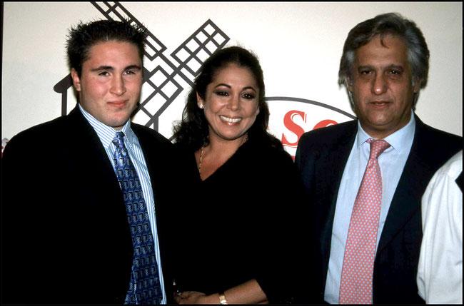 con su prima Isabel Pantoja y su hijo Kiko Rivera