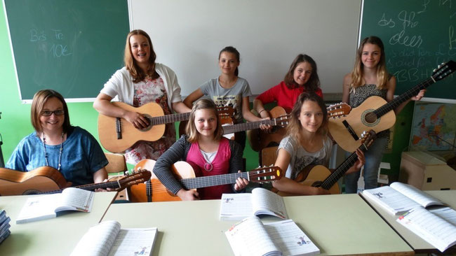 Gitarre - Rita Maurel