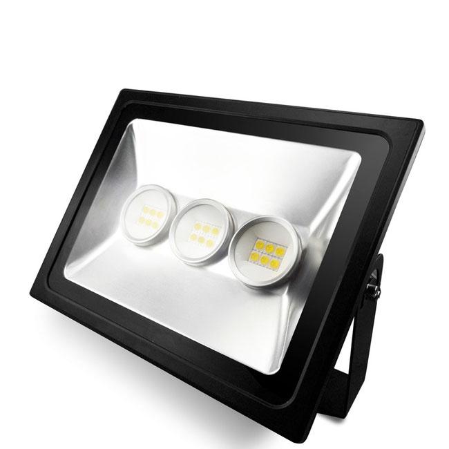 светодиодный прожектор - 120Вт.