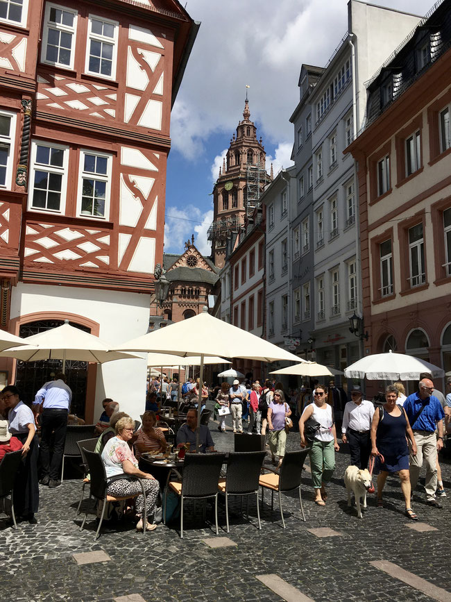 Mainz's old town: a magnet for visitors and a meeting point for locals