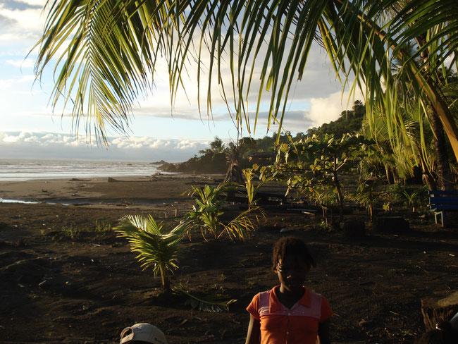 HappyHeppert Nuqui Kolumbien