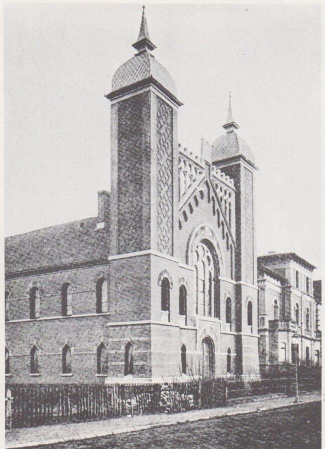 Synagoge in der Lessingstraße. Sie brannte in der Kristallnacht nieder. Heute stehen dort Wohnhäuser.