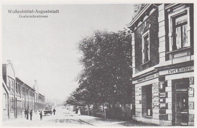 Links im Bild ist die 1899 gegründete Maschinenfabrik Gebrüder Welger, die mit ihren landwirtschaftlichen Maschinen weltweit bekannt sind.