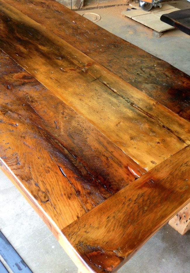 Natural pine (dull lacquer)
