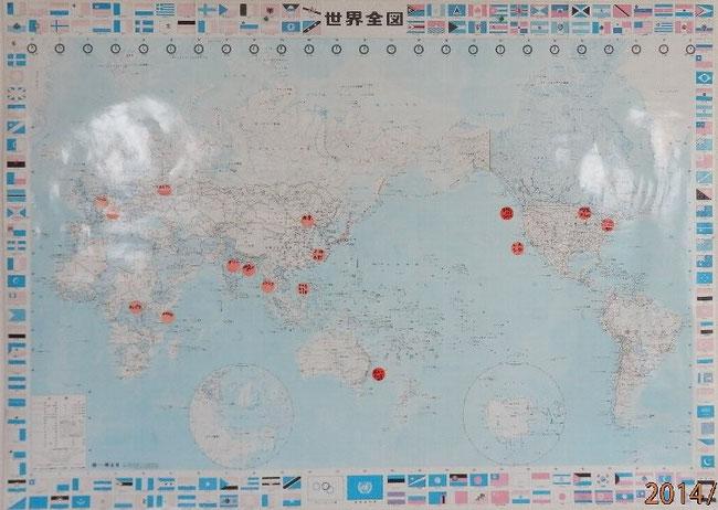 赤丸は釜本が訪問した国・都市を示しています。