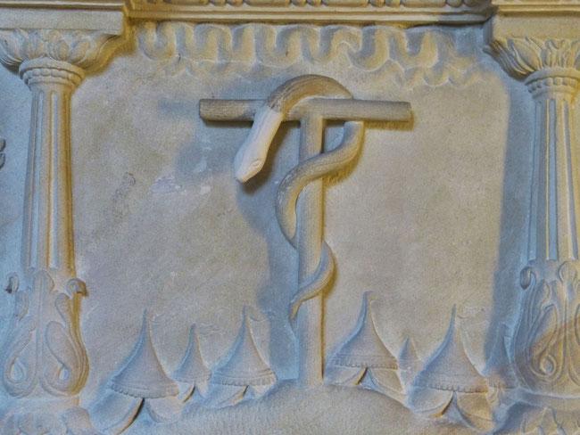 Die von Moses erhöhte Schlange stellt den am Pfahl von Golgatha erhöhten Christus dar