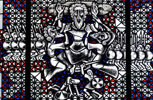 Die Sünden Israels zwangen Moses dazu, seine Hände am Pfahl zu erhöhen, sodass das Volk Gottes gegen seine Feinde triumphierte. https://www.freudenbotschaft.net/gleichnisse/das-biblische-gleichnis-vom-erhobenen-stab-gottes/