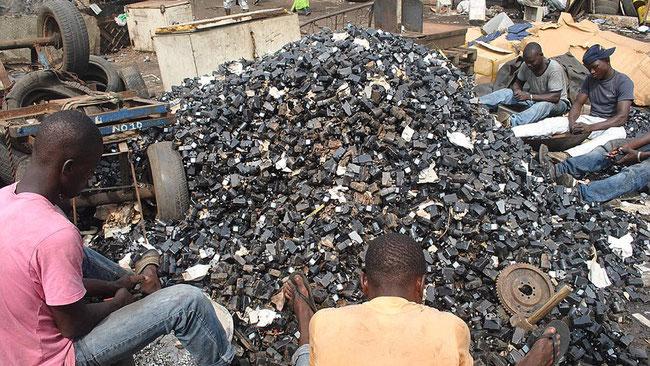 EUROPA- Mandamos los desperdicios electrónicos a África