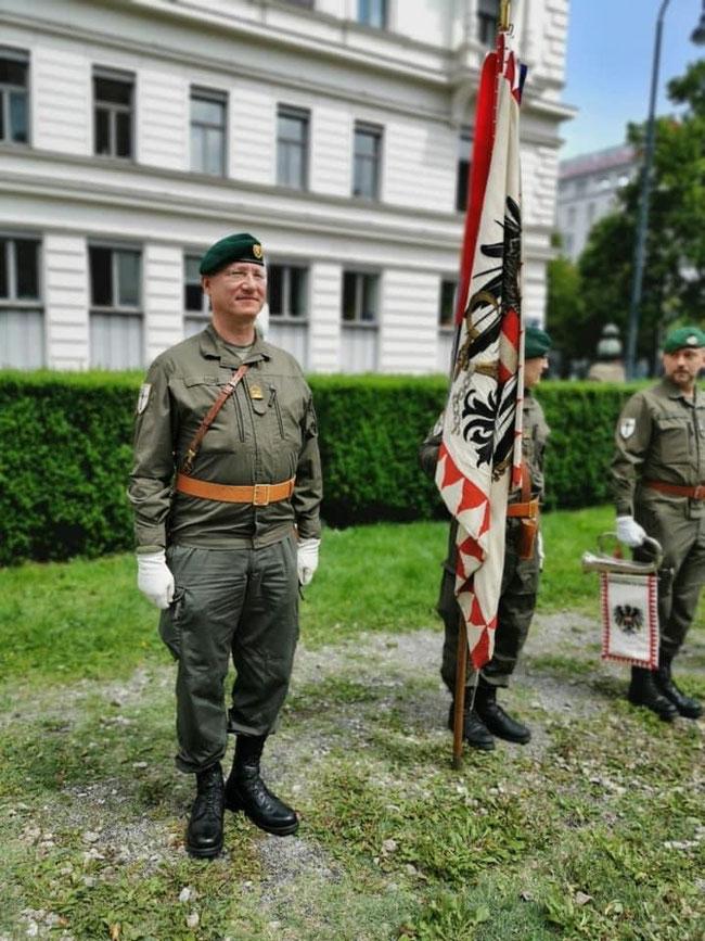 """Abordnung des JgB W1 """"Hoch- und Deutschmeister"""" beim Deutschmeister-Denkmal"""