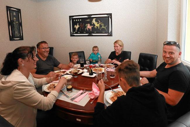 Familientreffen im Chinarestaurant