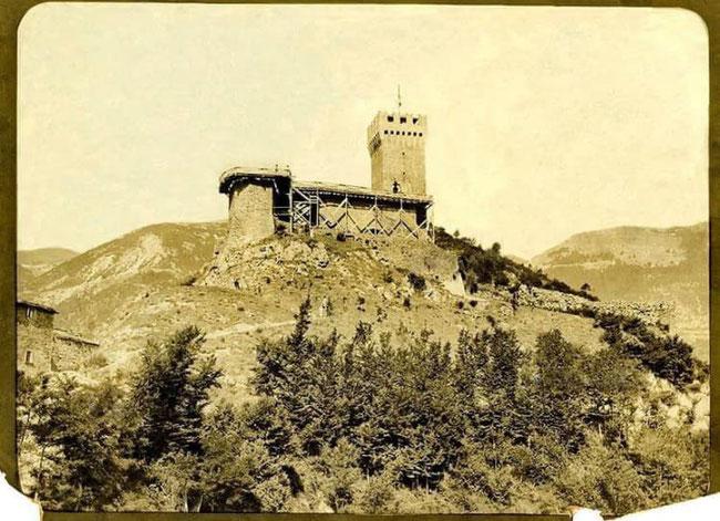 La Rocca in ristrutturazione inizio '900