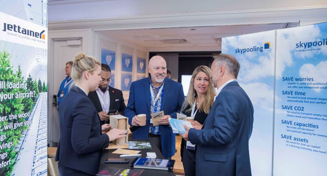 The skypooling stand at the ULD Care conference was very well attended  -  photo: Thierry du Bois