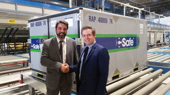 Happy about their deal: Fabrice Panza, AFKLMP Cargo (left) and CSafe Global's Sebastien Berrous