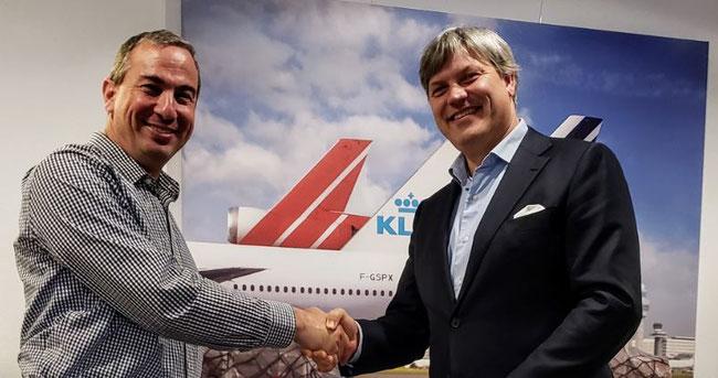 Pictured are Freightos WebCargo's Zvi Schreiber (left) and Marcel de Nooijer of AF-KL-MP Cargo