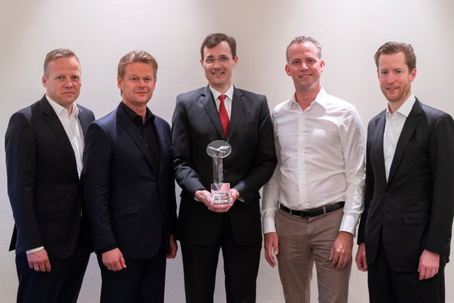 From left to right: Soeren Stark, COO LHC  /  Peter Gerber, CEO LHC  /  Tobias Meyer, COO DHL G-F /  Hendrik Venema, SVP Global Head of Network Carrier Mngmt, DHL G-F  /  Alexis von Hoensbroech, CCO LHC