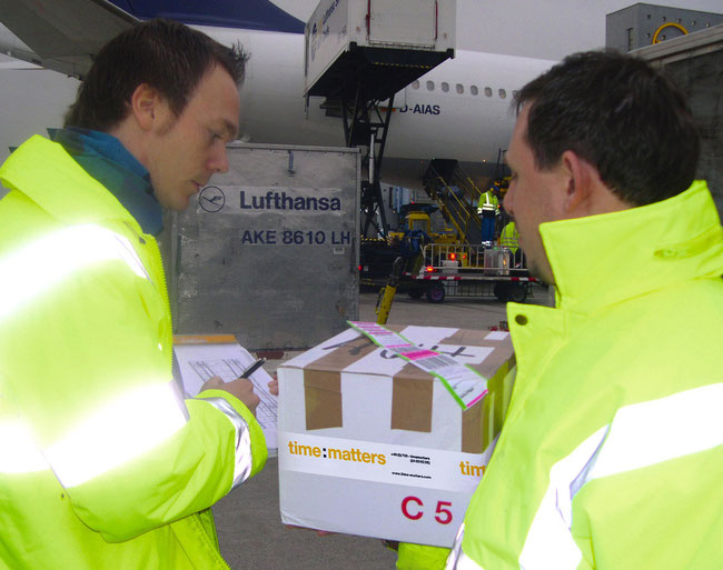 Handover of urgent time:matters shipment at FRA bound to East Asia  -  courtesy: t:m
