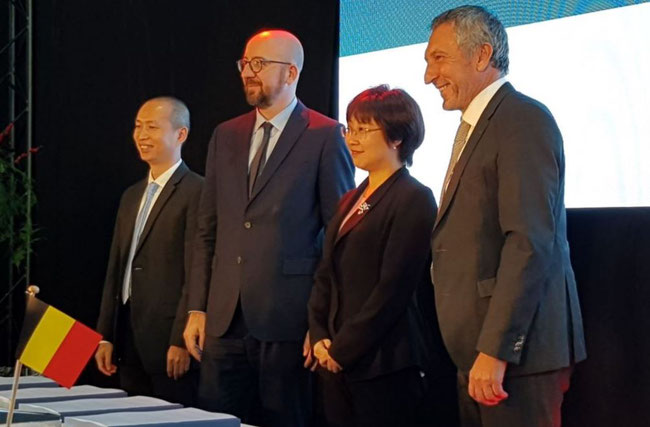Left to right: Jimiao Shi, Vice President Cainiao, Belgian Federal PM Charles Michel, Angel Zhao, President Global Business Alibaba Group & Vice-President Alibaba Group, Liege Airport CEO Luc Partoune – photo ms