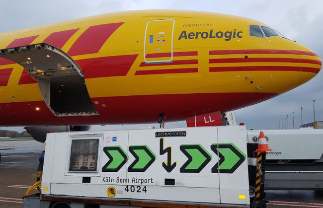 An AeroLogic operated B777F, painted in DHL colors, is serving the route HKG-CGN 4 x weekly