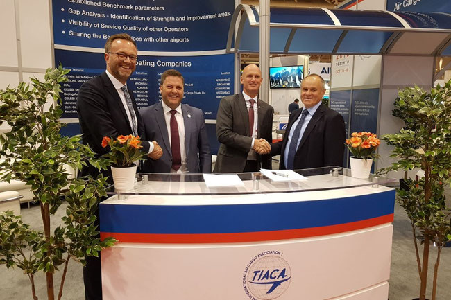 Happy about their upcoming cooperation (left to right): Robert Schoenberger, Messe Muenchen, Steven Polmans and Sebastiaan Scholte of TIACA, Gerhard Gerritzen, Messe Muenchen – credit: Messe Muenchen