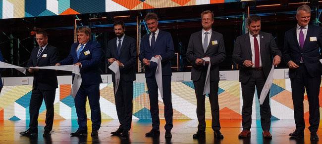 Cargo City Ribbon cutting on 21NOV19 including Levente Magyar (Minister), Dr. Rolf Schnitzler, (BUD Airport), Gerhard Schroeder (AviAlliance), Steven Polmans (TIACA), René Droese (BUD Airport). Image: CFG Siegmund