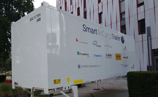 Self-driving cargo trailers will soon be seen at Frankfurt's Cargo City South  -  photos: hs