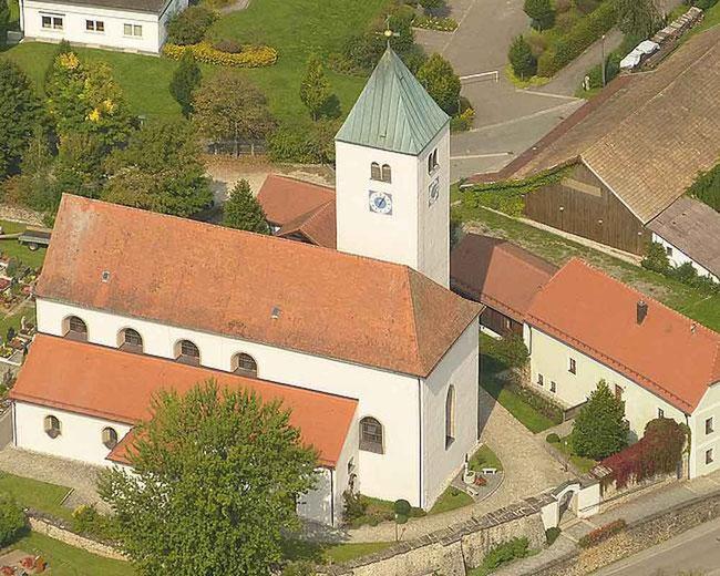 Pfarrkirche Mariä Himmelfahrt in Ast bei Waldmünchen
