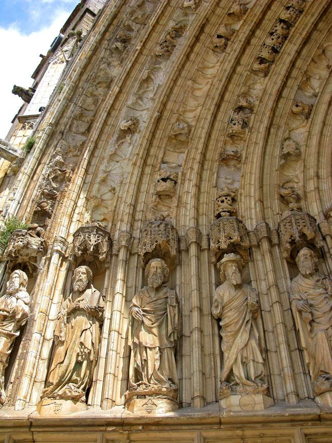 © Traudi - Ausschnitt aus dem Marmorportal der Basilica de Santa Maria in Casteló d'Empúries