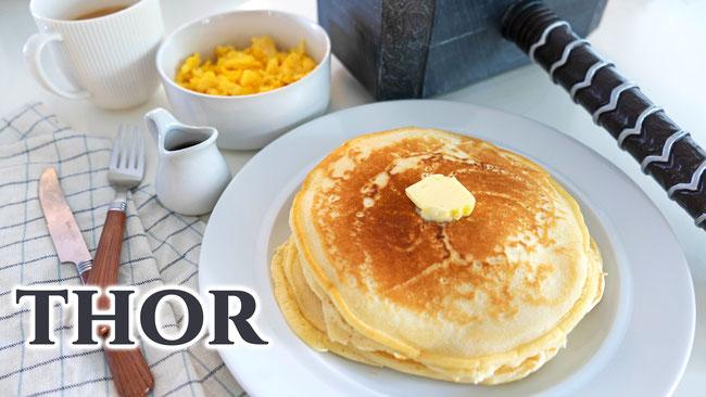 XXL Pancakes mit Rührei aus dem Marvel Film Thor - Ein tolles und einfaches Filmrezept aus dem Marvel Streifen Thor. Perfekt fürs Frühstück oder Brunch. Rezept für die ganze Familie.