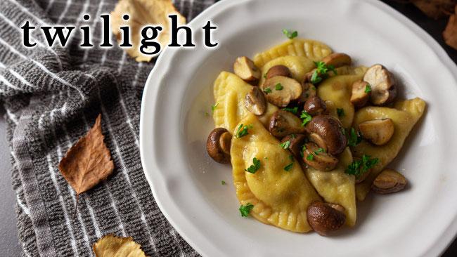 Pilz Ravioli aus dem Film Twilight - Filmrezepte, Rezepte aus Filme, Recipes from movies, Pasta, Pilzrezepte, Herbstrezepte, Herbstküche, Selbstgemachte Pasta