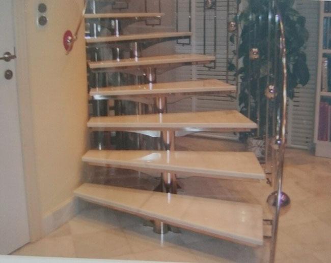 Escaleras metalicas escaleras laravid trabajos en acero for Escaleras metalicas para casa