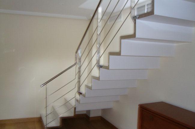 Escaleras de interior y exterior en murcia escaleras - Peldanos de marmol ...
