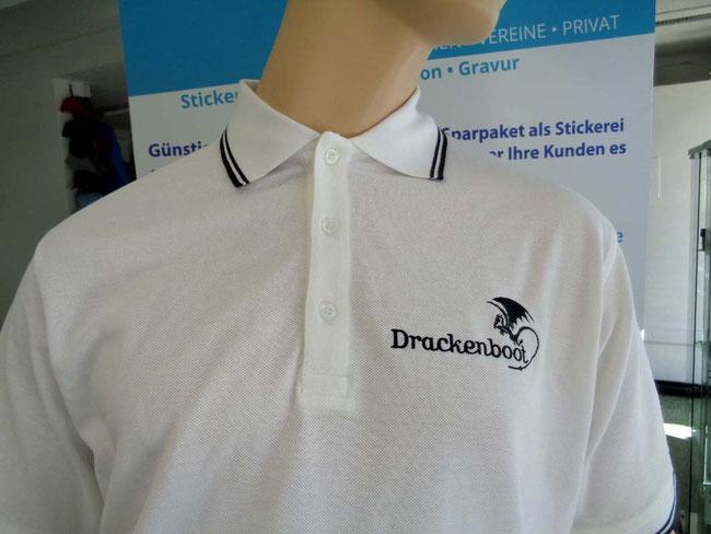 Poloshirts am Brust besticken lassen. Günstige Poloshirts mit Logo besticken. Firmen Logo auf Poloshirts besticken lassen